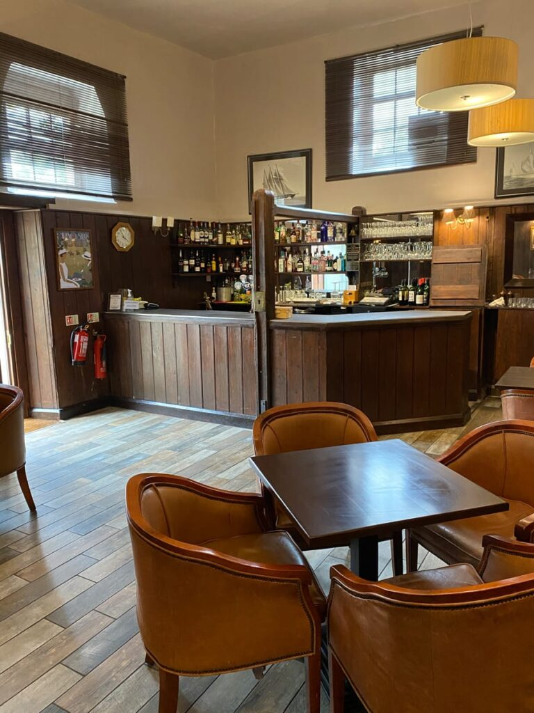 Bar area at Guyers House Hotel